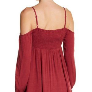Socialite Dresses - NWT Socialite Embroidered Cold Shoulder Dress